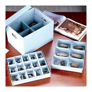Boîte à étages compartimentés pour artefacts